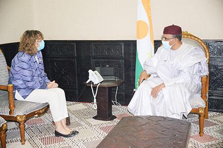 A la Présidence de la République : Le Chef de l'Etat reçoit l'Ambassadeur de Luxembourg et la représentante de l'UNHCR en fin de mission au Niger