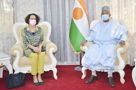 Au Cabinet du Premier Ministre : Le Chef du Gouvernement reçoit l'Ambassadeur du Pakistan et la Représentante résidente de la Banque mondiale au Niger