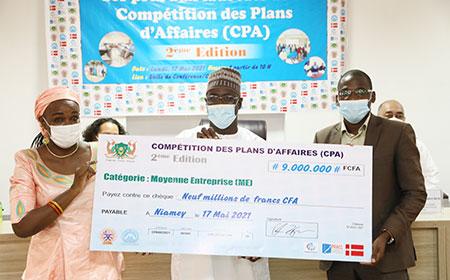 Cérémonie de remise officielle des prix aux lauréats de la Compétition des Plans d'Affaires (CPA) 2ème édition : Une enveloppe de 220 millions de FCFA distribuée aux 55 lauréats pour la mise en œuvre de leurs projets d'entreprise